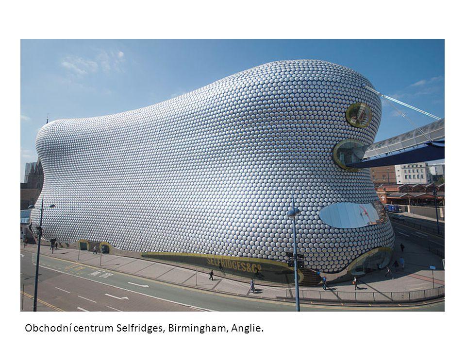 Obchodní centrum Selfridges, Birmingham, Anglie.