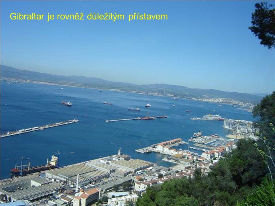 Gibraltar je rovněž důležitým přístavem