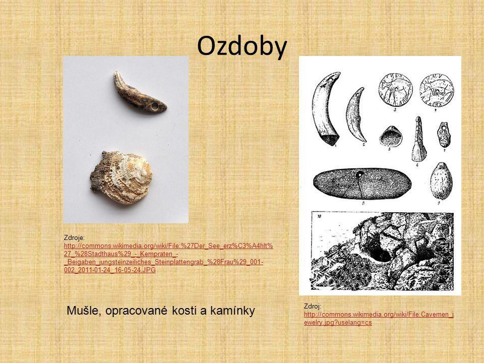 Ozdoby Mušle, opracované kosti a kamínky
