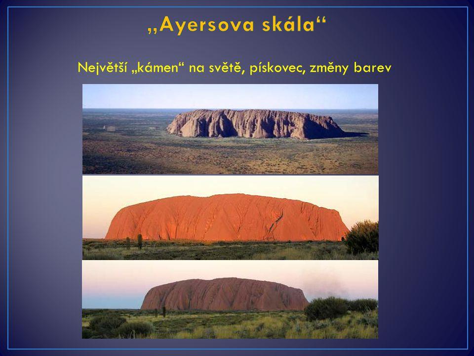 """""""Ayersova skála Největší """"kámen na světě, pískovec, změny barev"""