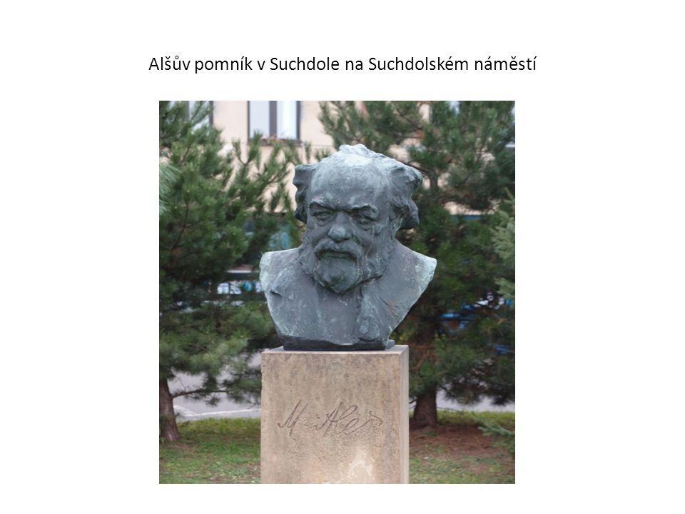 Alšův pomník v Suchdole na Suchdolském náměstí