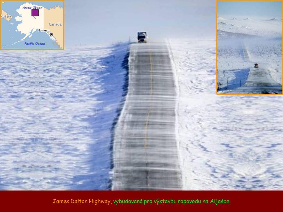 James Dalton Highway, vybudovaná pro výstavbu ropovodu na Aljašce.
