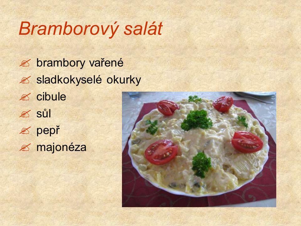 Bramborový salát brambory vařené sladkokyselé okurky cibule sůl pepř