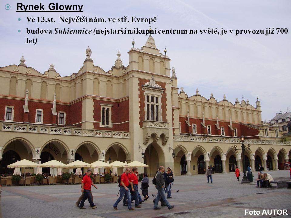 Rynek Glowny Ve 13.st. Největší nám. ve stř. Evropě