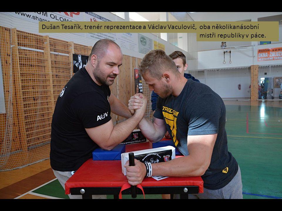 Dušan Tesařík, trenér reprezentace a Václav Vaculovič,