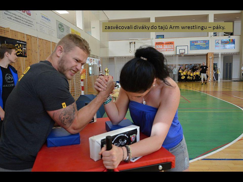 zasvěcovali diváky do tajů Arm wrestlingu – páky.