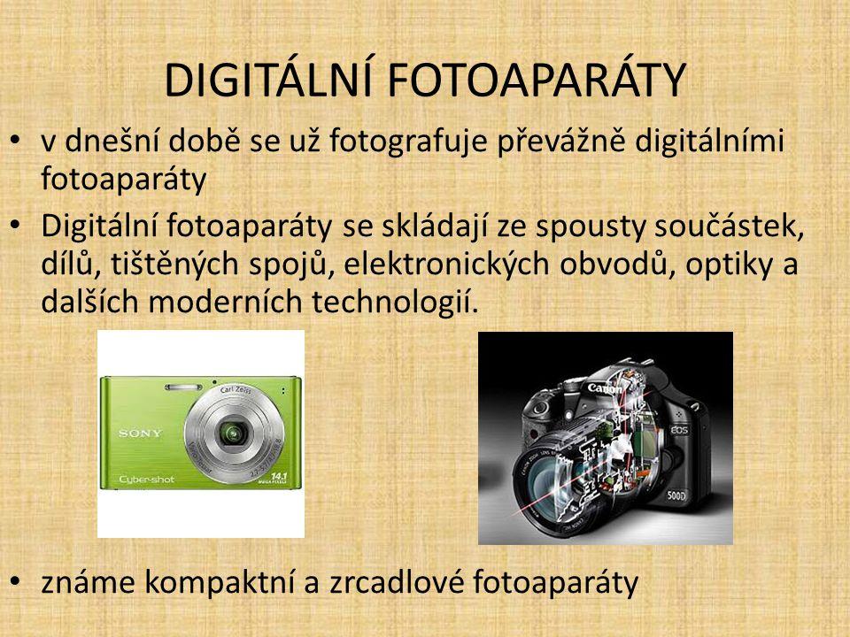 DIGITÁLNÍ FOTOAPARÁTY