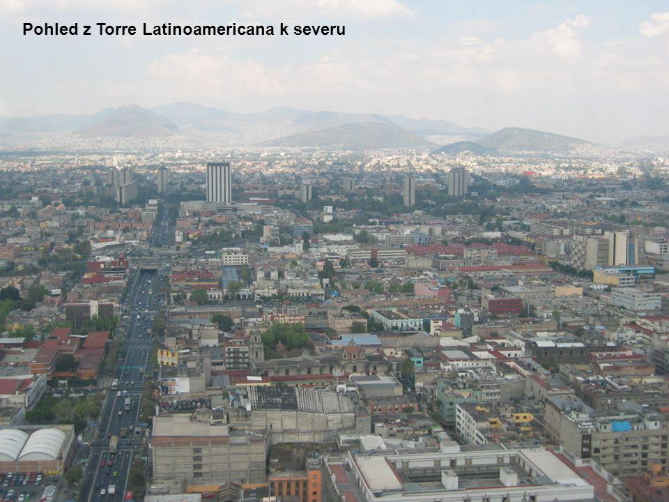 Pohled z Torre Latinoamericana k severu
