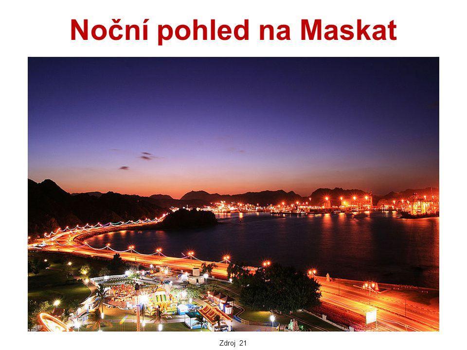 Noční pohled na Maskat Zdroj 21