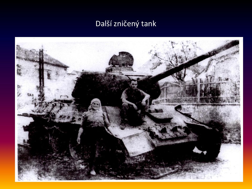 Další zničený tank