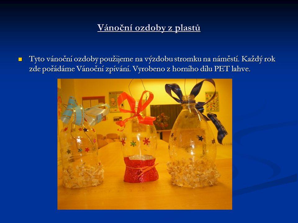 Vánoční ozdoby z plastů