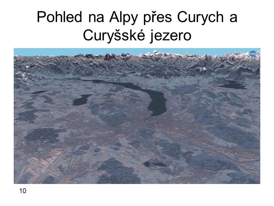Pohled na Alpy přes Curych a Curyšské jezero