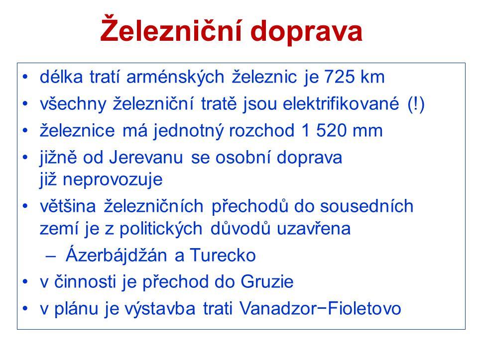 Železniční doprava délka tratí arménských železnic je 725 km