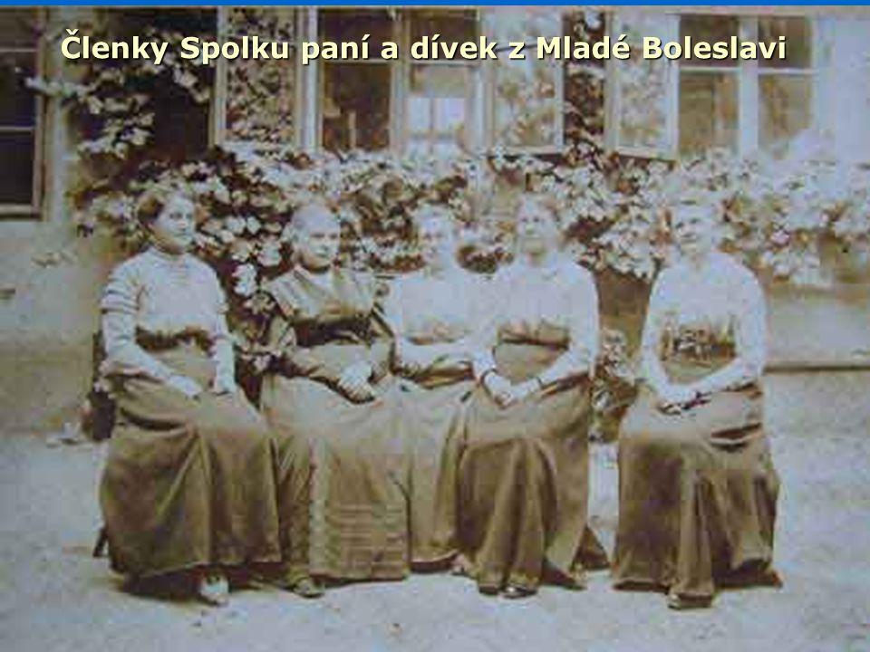 Členky Spolku paní a dívek z Mladé Boleslavi