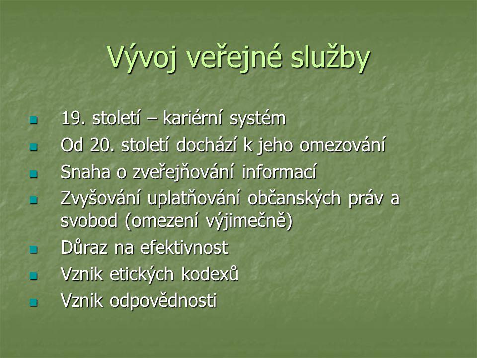 Vývoj veřejné služby 19. století – kariérní systém