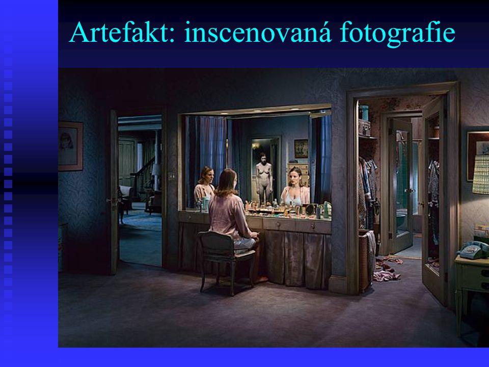 Artefakt: inscenovaná fotografie