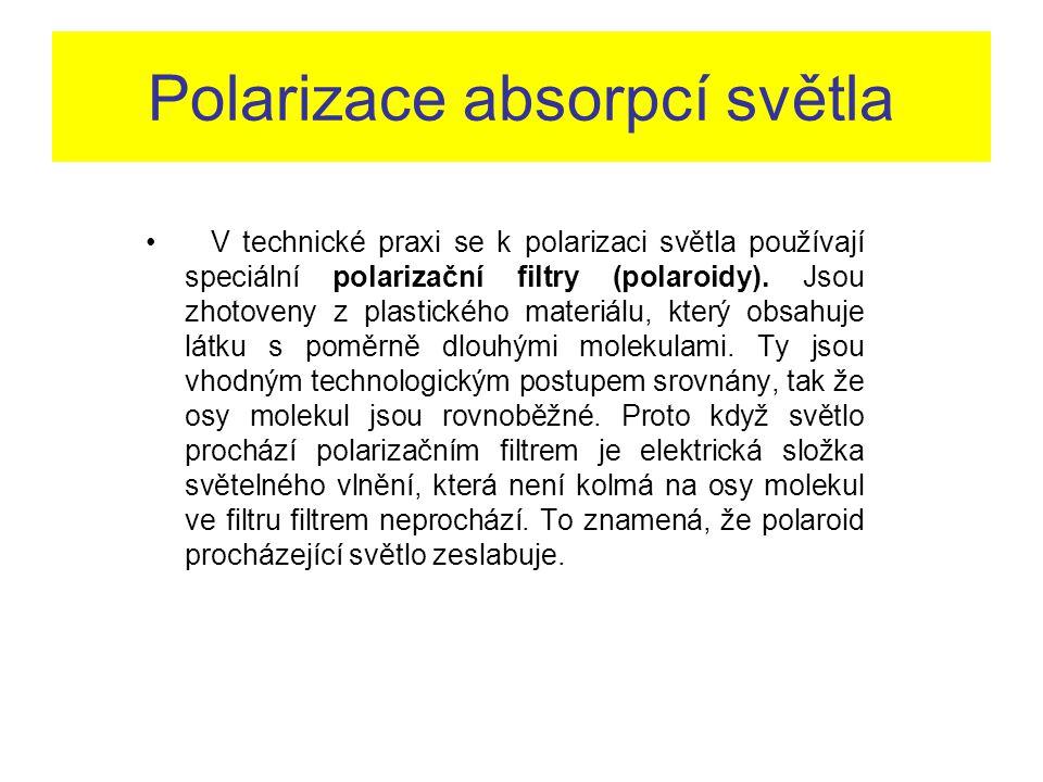 Polarizace absorpcí světla