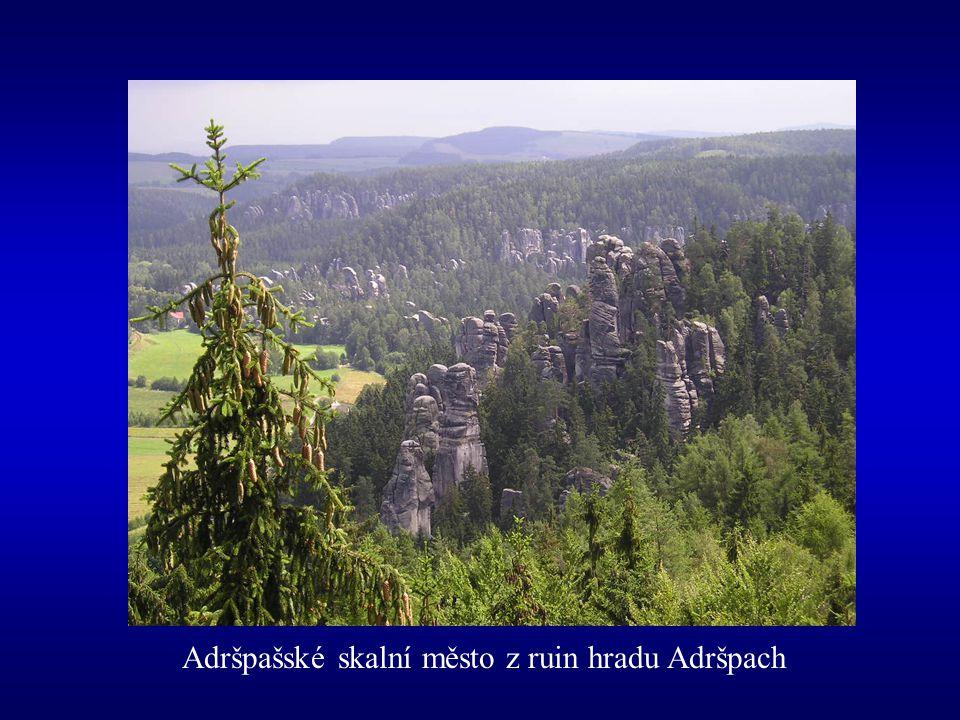 Adršpašské skalní město z ruin hradu Adršpach