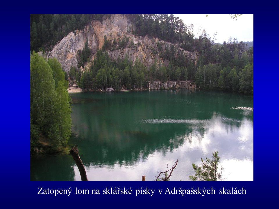 Zatopený lom na sklářské písky v Adršpašských skalách
