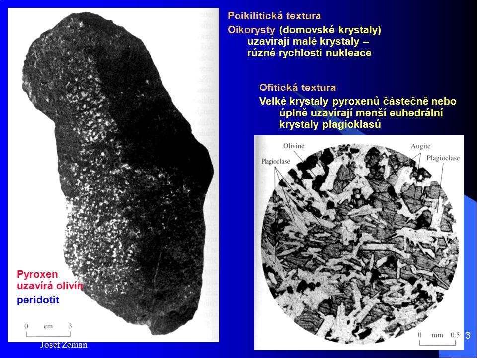 Pyroxen uzavírá olivín peridotit
