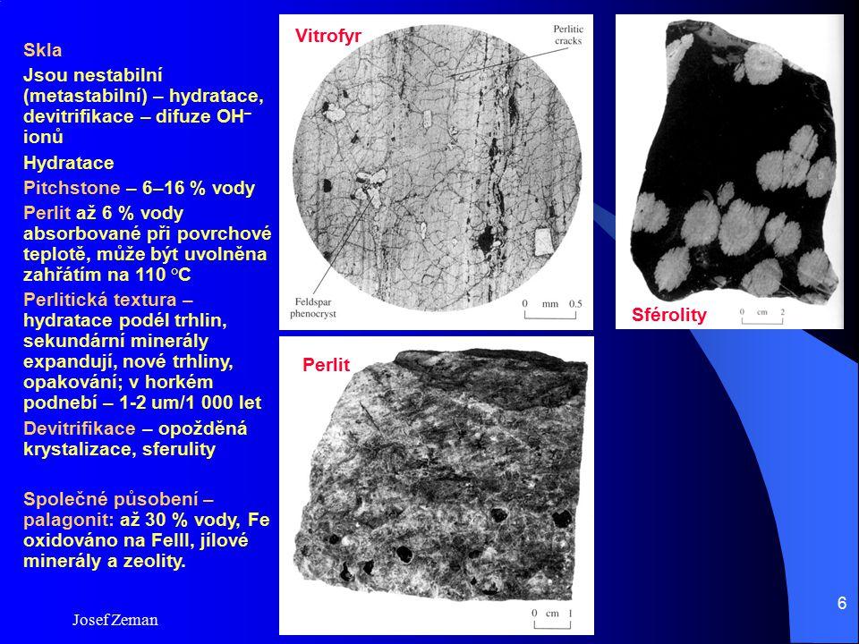 Devitrifikace – opožděná krystalizace, sferulity