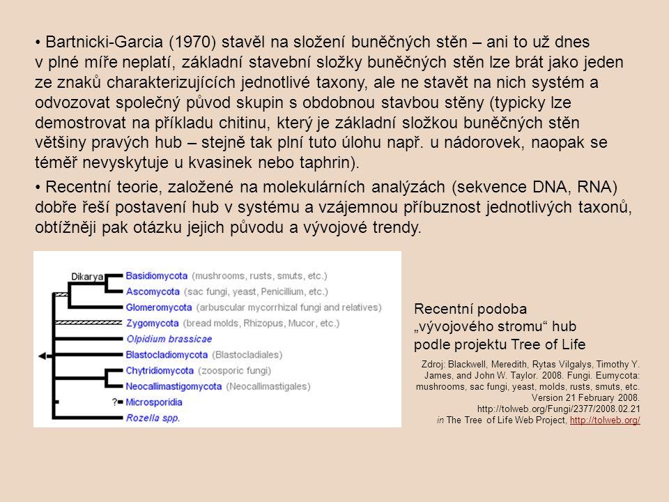 • Bartnicki-Garcia (1970) stavěl na složení buněčných stěn – ani to už dnes v plné míře neplatí, základní stavební složky buněčných stěn lze brát jako jeden ze znaků charakterizujících jednotlivé taxony, ale ne stavět na nich systém a odvozovat společný původ skupin s obdobnou stavbou stěny (typicky lze demostrovat na příkladu chitinu, který je základní složkou buněčných stěn většiny pravých hub – stejně tak plní tuto úlohu např. u nádorovek, naopak se téměř nevyskytuje u kvasinek nebo taphrin).