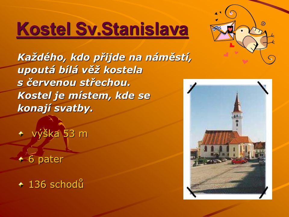 Kostel Sv.Stanislava Každého, kdo přijde na náměstí,