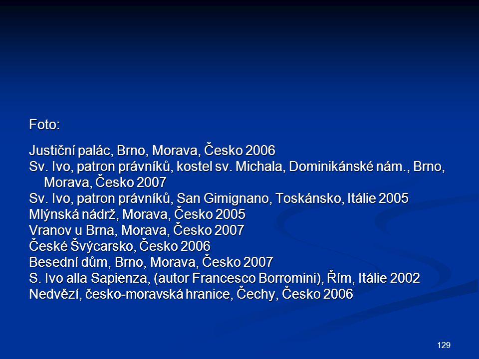 Foto: Justiční palác, Brno, Morava, Česko 2006. Sv. Ivo, patron právníků, kostel sv. Michala, Dominikánské nám., Brno,