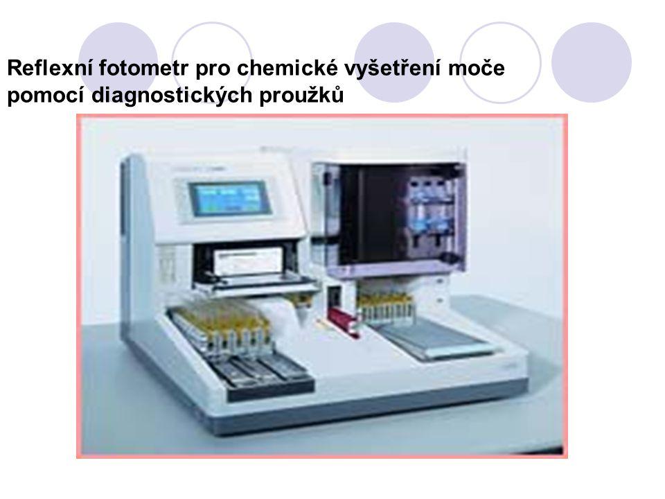 Reflexní fotometr pro chemické vyšetření moče