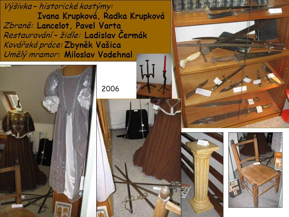Výšivka – historické kostýmy: Ivana Krupková, Radka Krupková