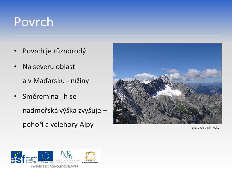 Povrch Povrch je různorodý Na severu oblasti a v Maďarsku - nížiny