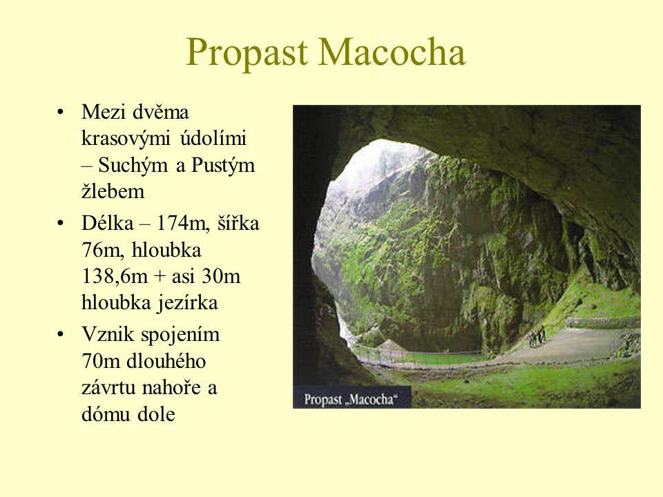 Propast Macocha Mezi dvěma krasovými údolími – Suchým a Pustým žlebem