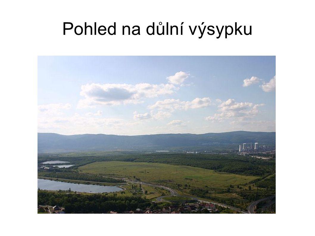 Pohled na důlní výsypku