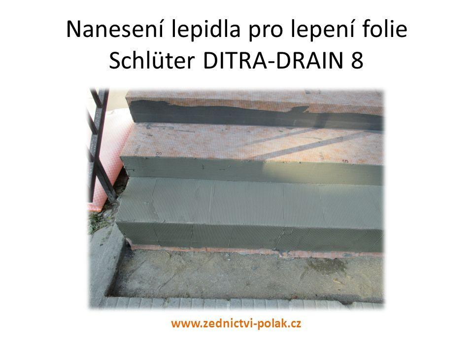 Nanesení lepidla pro lepení folie Schlüter DITRA-DRAIN 8