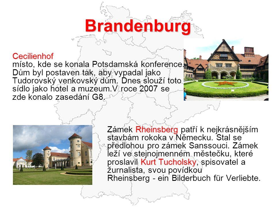Brandenburg Cecilienhof místo, kde se konala Potsdamská konference.